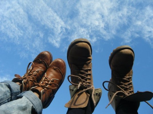 boots-clouds-feet-shoes-sky-Favim.com-254456