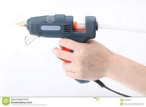 glue-pistol-hand-37612847